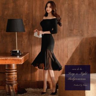 シースルーのマーメイドスカートが品のあるワンカラーのボディコンドレス