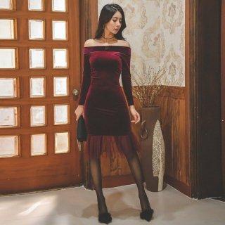 タイトなマーメイドラインが大人セクシーなオフショルキャバドレス
