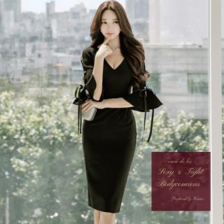 【即納】フリル袖からの肌チラ魅せがフェミニンなワンカラーのタイトドレス