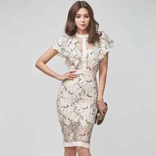 透け感シースルーの花柄が大人かわいいフリルショルダーのタイトドレス