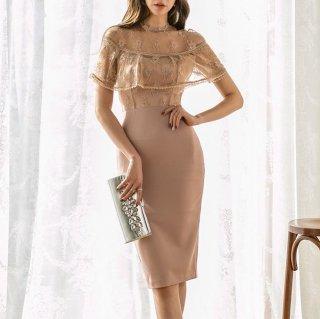 刺繍レースの透け感が大人セクシーな上品ワントーンの袖ありボディコンドレス