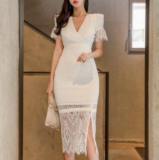 袖とヘムラインの繊細レースが大人かわいいタイトワンピース カジュアルドレス