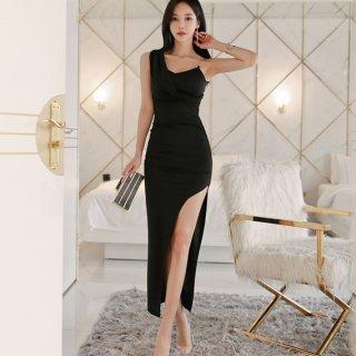ロングスリットでセクシーに アシンメトリーがおしゃれな黒のボディコンロングタイトドレス