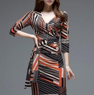 ラップドレスでフェミニンに デートや同伴におすすめの総柄ボディコンワンピース 2色