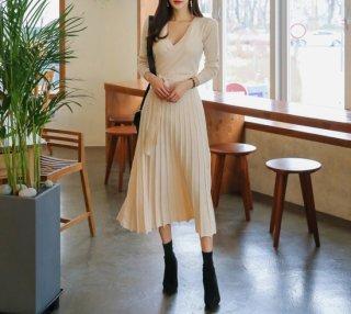 デートや同伴おすすめ 大人かわいいプリーツスカートのきれいめロングワンピース