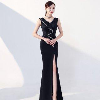 エレガントな海外デザイン 大胆スリットがセクシーなマキシ丈ノースリーブドレス