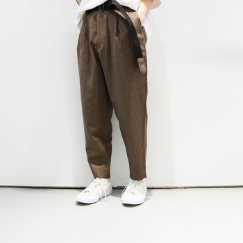 <img class='new_mark_img1' src='//img.shop-pro.jp/img/new/icons47.gif' style='border:none;display:inline;margin:0px;padding:0px;width:auto;' />JieDa / 2TUCK TAPERED WOOL PANTS
