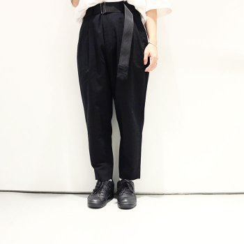 <img class='new_mark_img1' src='//img.shop-pro.jp/img/new/icons14.gif' style='border:none;display:inline;margin:0px;padding:0px;width:auto;' />JieDa / 2TUCK TAPERED KERSEY PANTS