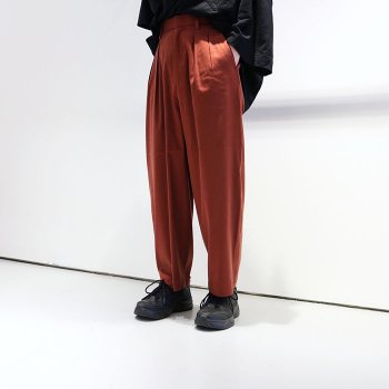 <img class='new_mark_img1' src='//img.shop-pro.jp/img/new/icons20.gif' style='border:none;display:inline;margin:0px;padding:0px;width:auto;' />40%OFF!! wonderland / tapered slacks pants