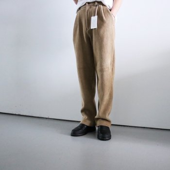 <img class='new_mark_img1' src='https://img.shop-pro.jp/img/new/icons14.gif' style='border:none;display:inline;margin:0px;padding:0px;width:auto;' />YOKE/  KNIT CORDUROY 2TUCK WIDE PANTS