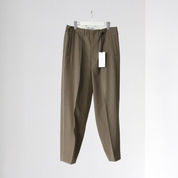 <img class='new_mark_img1' src='https://img.shop-pro.jp/img/new/icons14.gif' style='border:none;display:inline;margin:0px;padding:0px;width:auto;' />YOKE/ 1TUCK WIDE TROUSERS