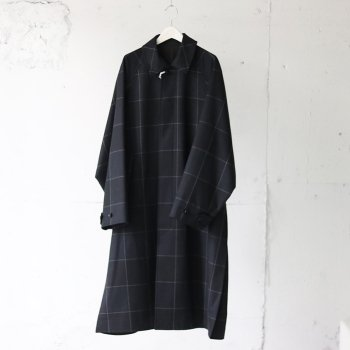 <img class='new_mark_img1' src='https://img.shop-pro.jp/img/new/icons14.gif' style='border:none;display:inline;margin:0px;padding:0px;width:auto;' />YOKE/ OVERSIZED BAL COLLAR COAT