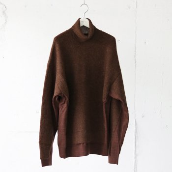 <img class='new_mark_img1' src='https://img.shop-pro.jp/img/new/icons14.gif' style='border:none;display:inline;margin:0px;padding:0px;width:auto;' />YOKE/ CONNECTING HIGHT NECK KNIT LS