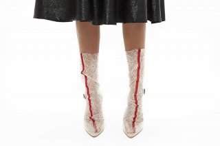 EMBROIDERY LINED LACE SOCKS<br>BEIGE x RED