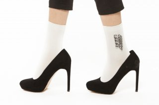 BIJOUX SOCKS<br>WHITE<img class='new_mark_img2' src='https://img.shop-pro.jp/img/new/icons20.gif' style='border:none;display:inline;margin:0px;padding:0px;width:auto;' />