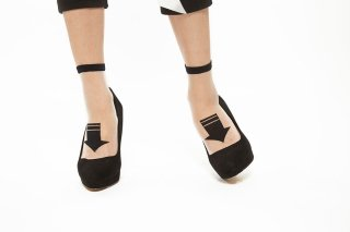 SEE-THROUGH ARROW SOCKS<br>BLACKxGREEN<img class='new_mark_img2' src='https://img.shop-pro.jp/img/new/icons20.gif' style='border:none;display:inline;margin:0px;padding:0px;width:auto;' />