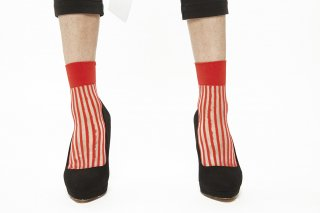 1711007/RED<br>STRIPED SEE-THROUGH SOCKS