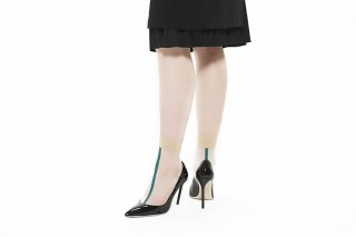 SEE THROUGH SOCKS<br>BEIGExGREEN<img class='new_mark_img2' src='https://img.shop-pro.jp/img/new/icons20.gif' style='border:none;display:inline;margin:0px;padding:0px;width:auto;' />