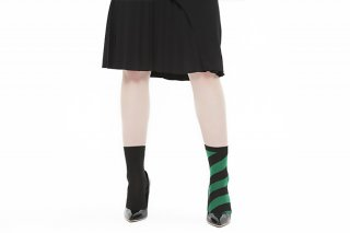 ASIMETRIC STRIPED SOCKS<br>BLACKxGREEN