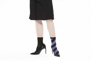 ASIMETRIC STRIPED SOCKS<br>BLACKxPURPLE