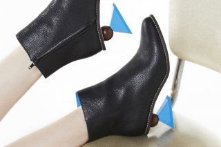 【FLEI】TRIANGLE HEEL BOOTS<br>BLACK×BLUEの商品画像