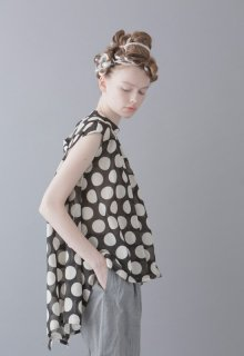 dots lawn blouse