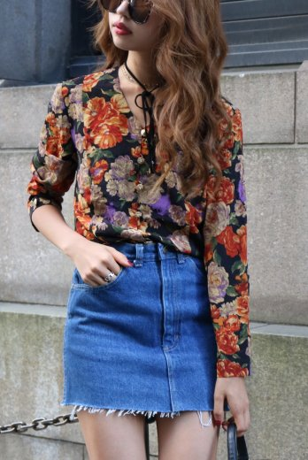 flower Vcut blouse