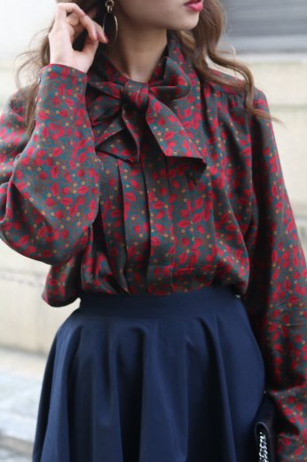 flower design ribbon blouse