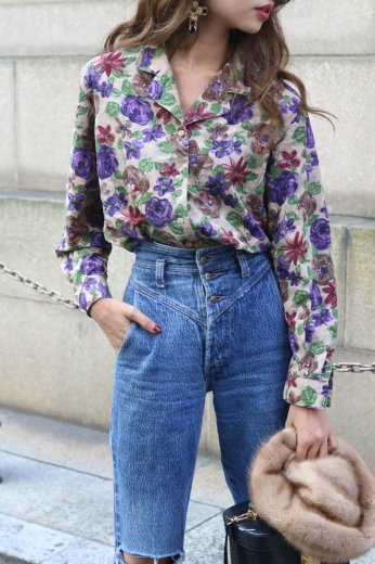 open collar flower blouse