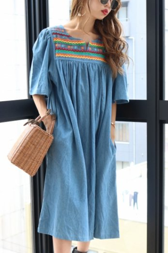 【vintage】flower embroidery pattern flare denim dress