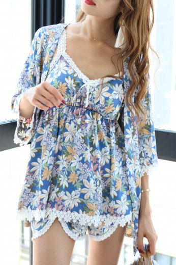 flower pattern 3 piece set up / blue