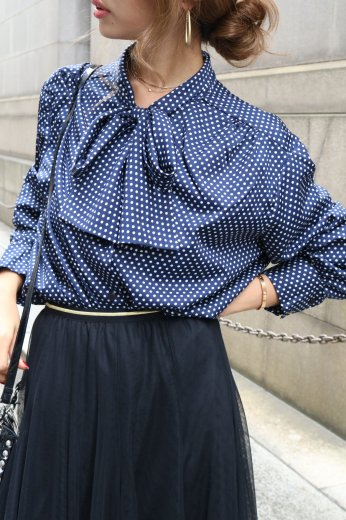【vintage】stand collar front ribbon dot blouse / navy