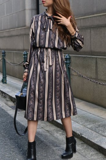 【vintage】stand collar front ribbon paisley pattern stripe sack dress