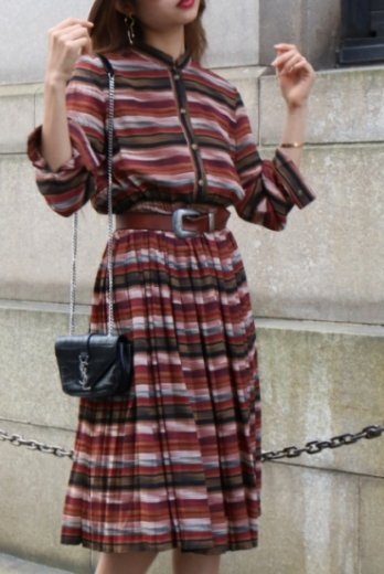 <img class='new_mark_img1' src='//img.shop-pro.jp/img/new/icons14.gif' style='border:none;display:inline;margin:0px;padding:0px;width:auto;' />【vintage】stand collar retro button stripe pattern pleats dress