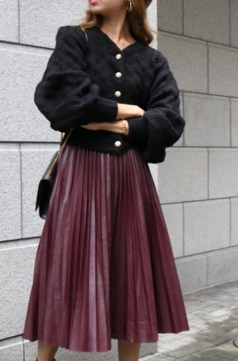 fake leather pleats skirt / bordeaux