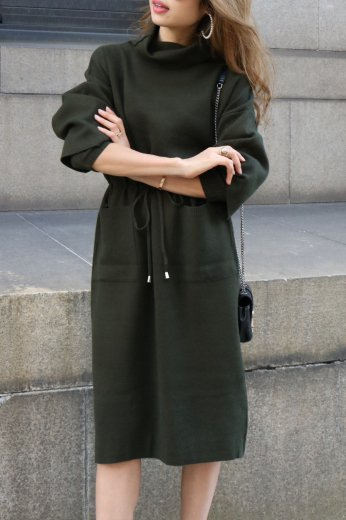 turtle neck knit dress / khaki