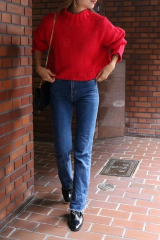 high neck  short knit tops / red