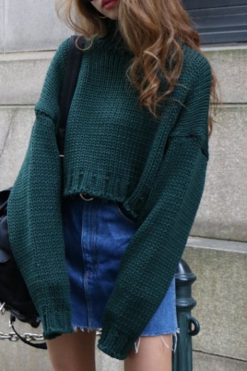 high neck  short knit tops / green
