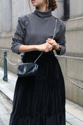 stripe pattern turtle neck cotton tops / black