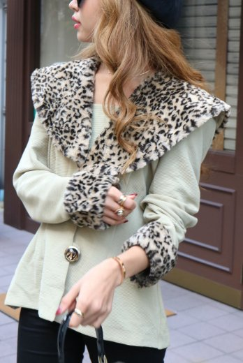 【vintage】cape collar fake leopard fur  jacket