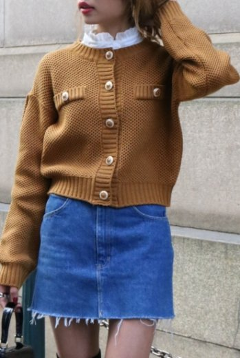 gold bijou button compact knit tops / mustard