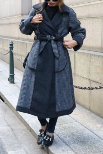 notched lapel collar check pattern reversible long coat (belt set) / gray