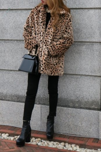 standard collar leopard faux fur jacket