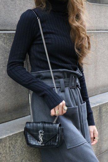 turtle neck rib knit tops / black