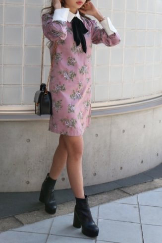 velours ribbon rose pattern dress / pink