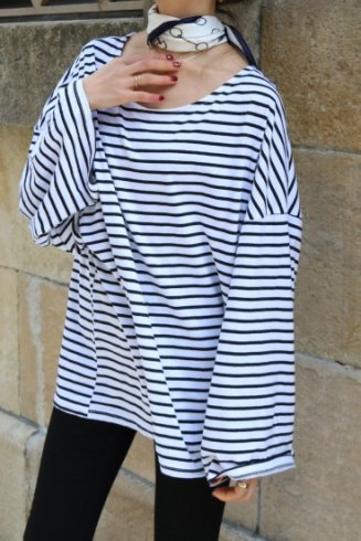 wide sleeves stripe pattern top / white
