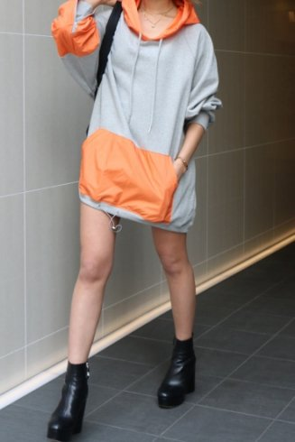 <img class='new_mark_img1' src='//img.shop-pro.jp/img/new/icons14.gif' style='border:none;display:inline;margin:0px;padding:0px;width:auto;' />neon color hoodie / gray×orange