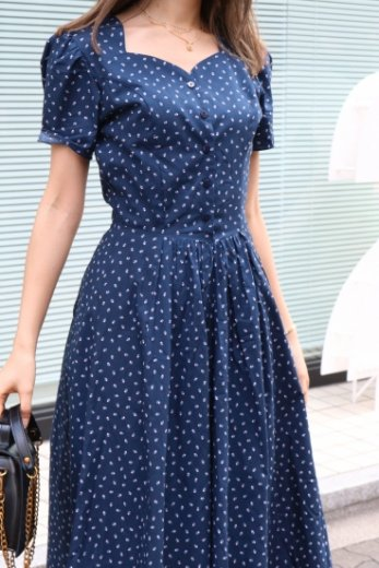 heart cut neck flower dot pattern flare dress / navy