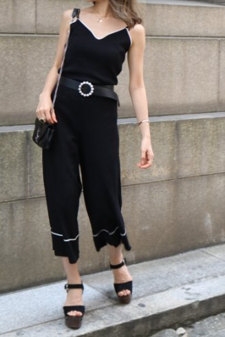 double strap camisole tops & wide pants set up / black