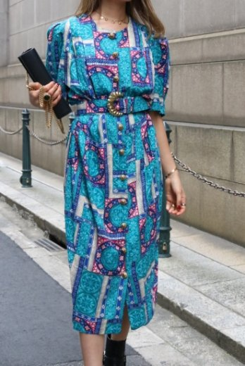【vintage】 gold retro button ethnic pattern flare dress ( belt set )